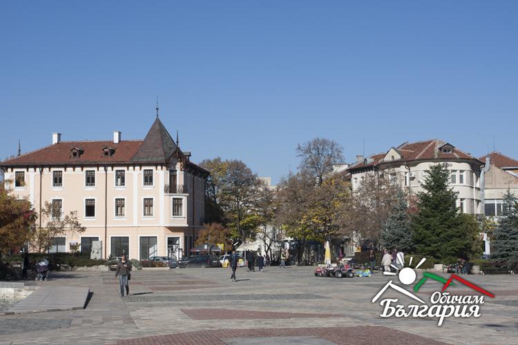 Една история за връх, пещера, водопад и съкровище!  Добре дошли във Враца!